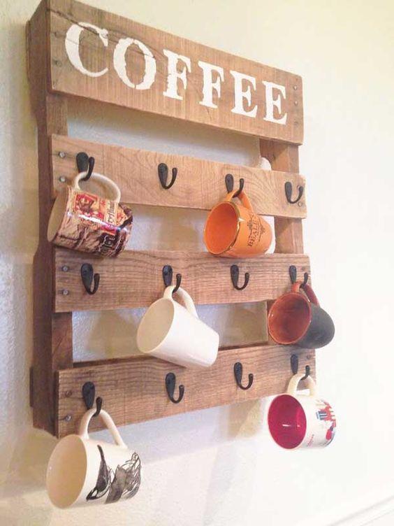 DIY pallet mug holder